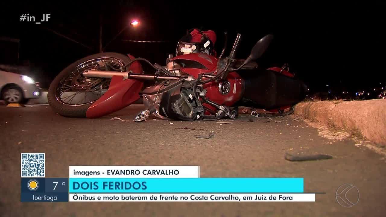 Duas pessoas ficam feridas após acidente entre moto e ônibus em Juiz de Fora