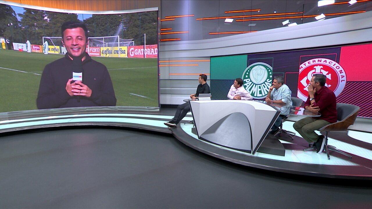 """Repórter fala sobre o Palmeiras e toma um """"banho"""" no CT do clube"""