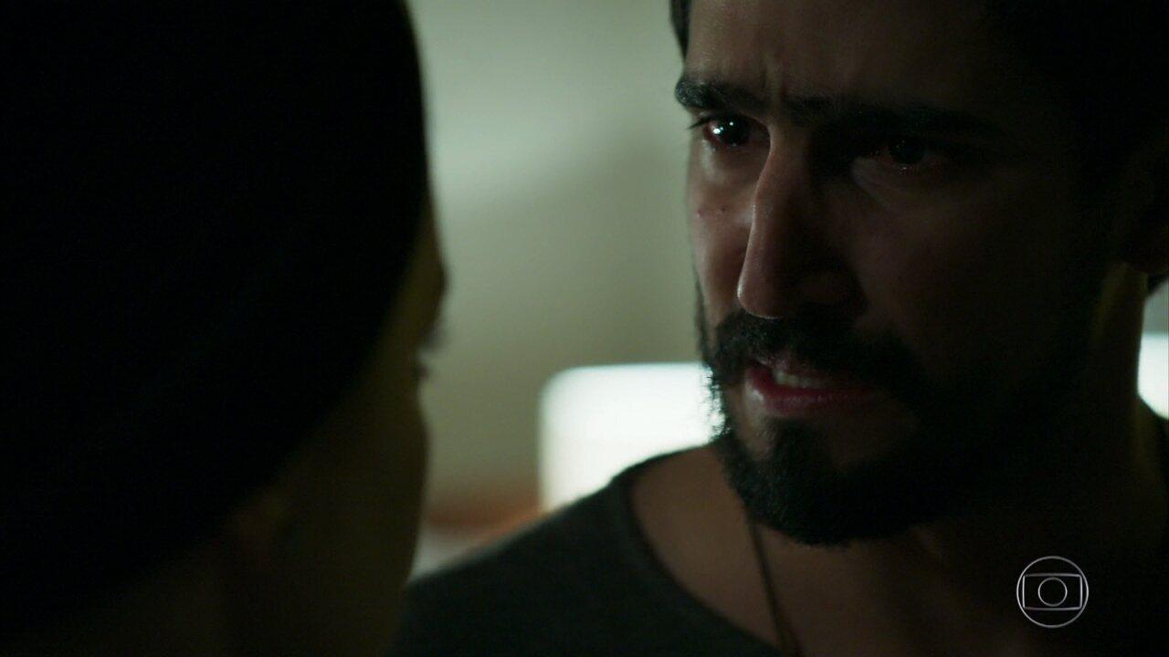 Jamil devolve a ameaça e provoca risos de Dalila