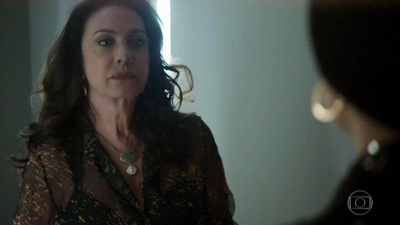 Rania revela a Dalila que é sua avó