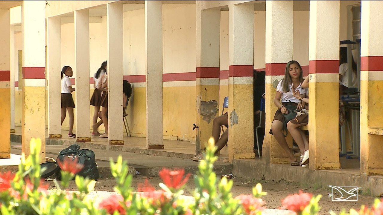 Pai invade escola e agride filha e namorado em São Mateus