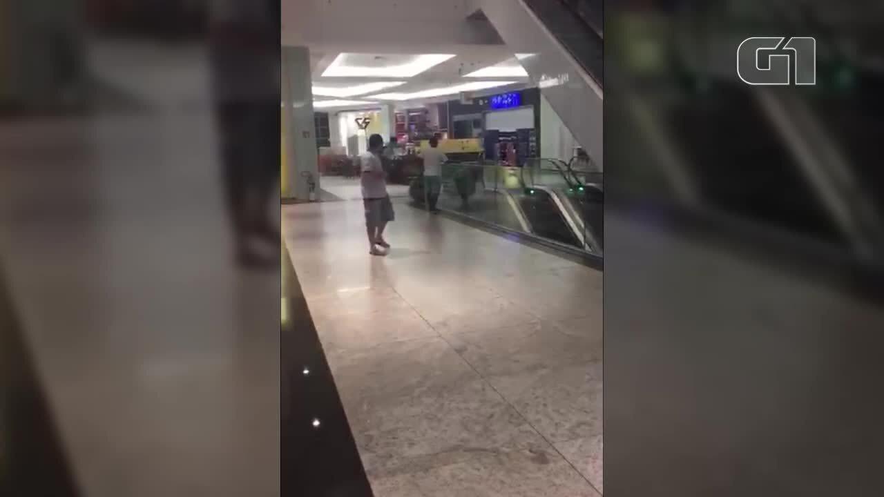 Loja é alvo de assaltantes em shopping de Belém