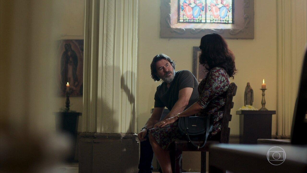 Missade convence Padre Zoran a manter o dinheiro investido no Instituto