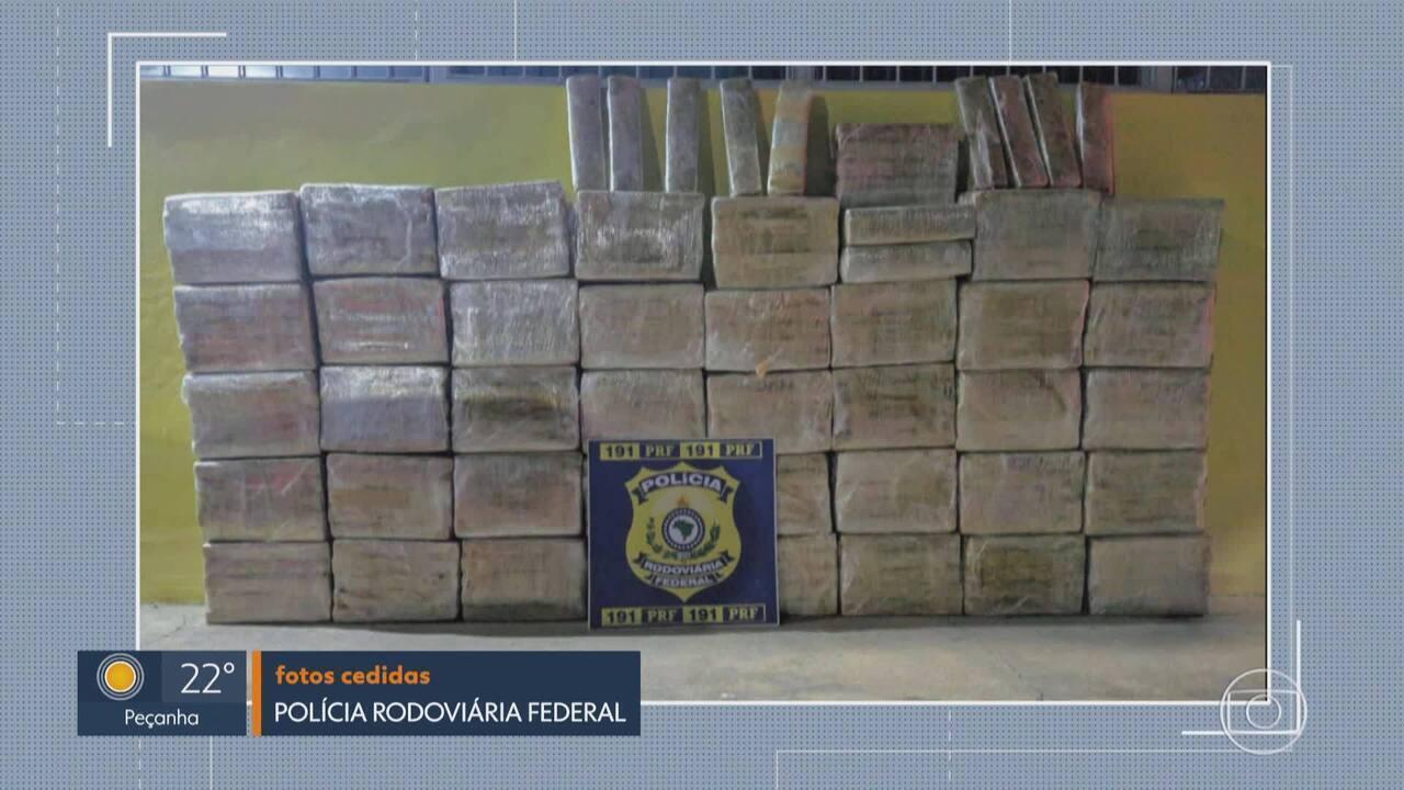 Dois homens são presos suspeitos de transportar mais de 400 quilos de maconha na BR-262