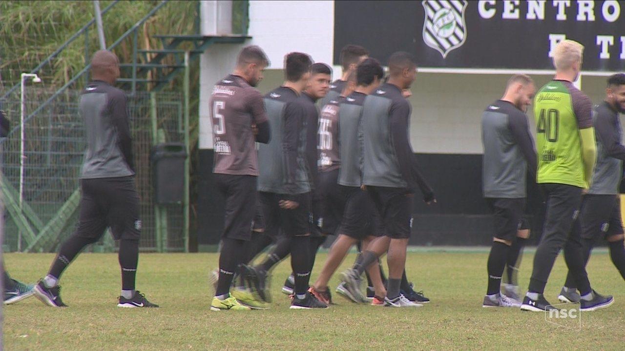 Denunciado, Figueirense pode perder pontos por atrasos salariais; Roberto Alves analisa