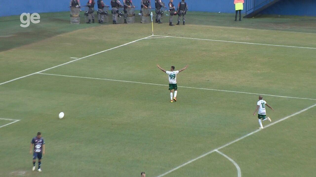 Vitinho puxa contra-ataque e deixa Mateus Oliveira livre para matar o jogo