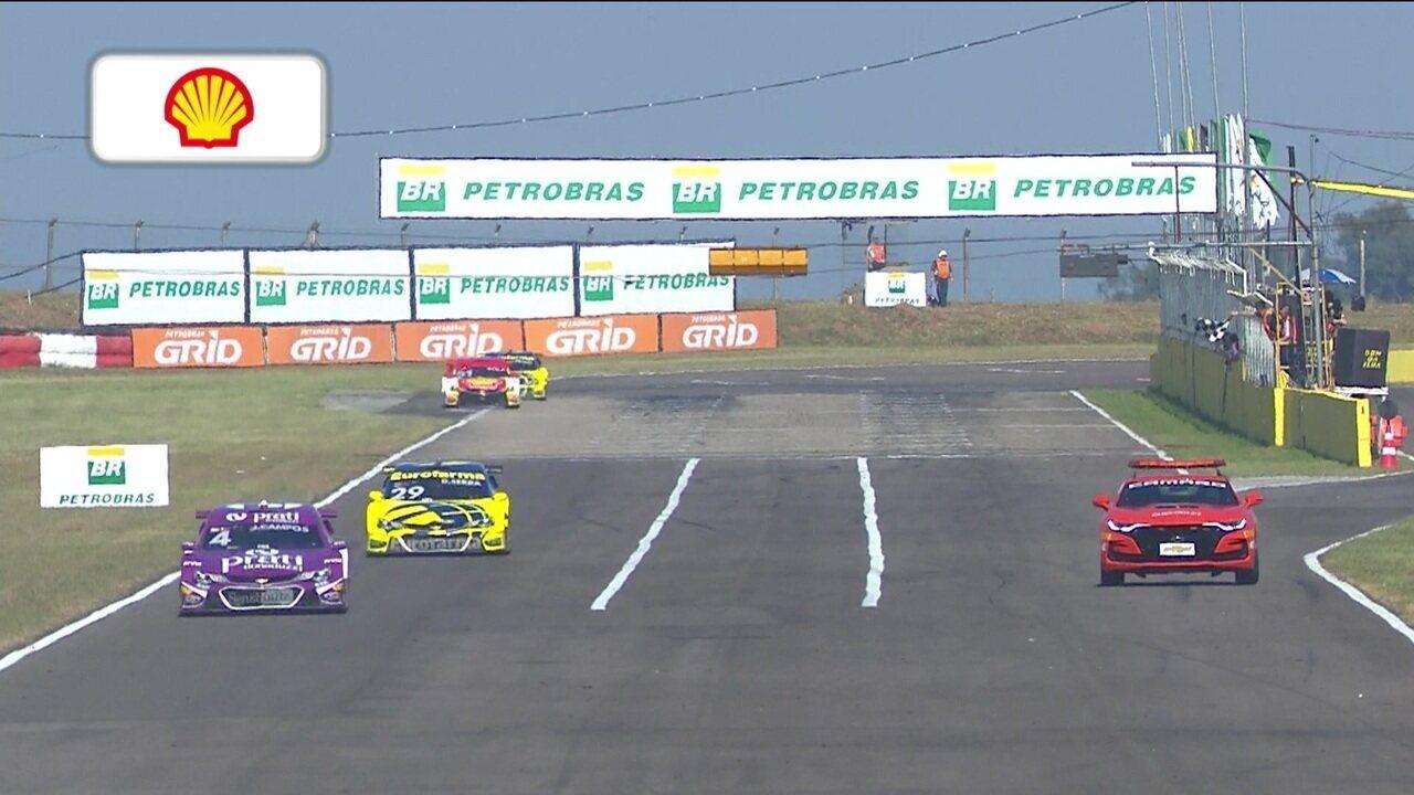 Júlio Campos vence primeira corrida da etapa de Santa Cruz do Sul da Stock Car