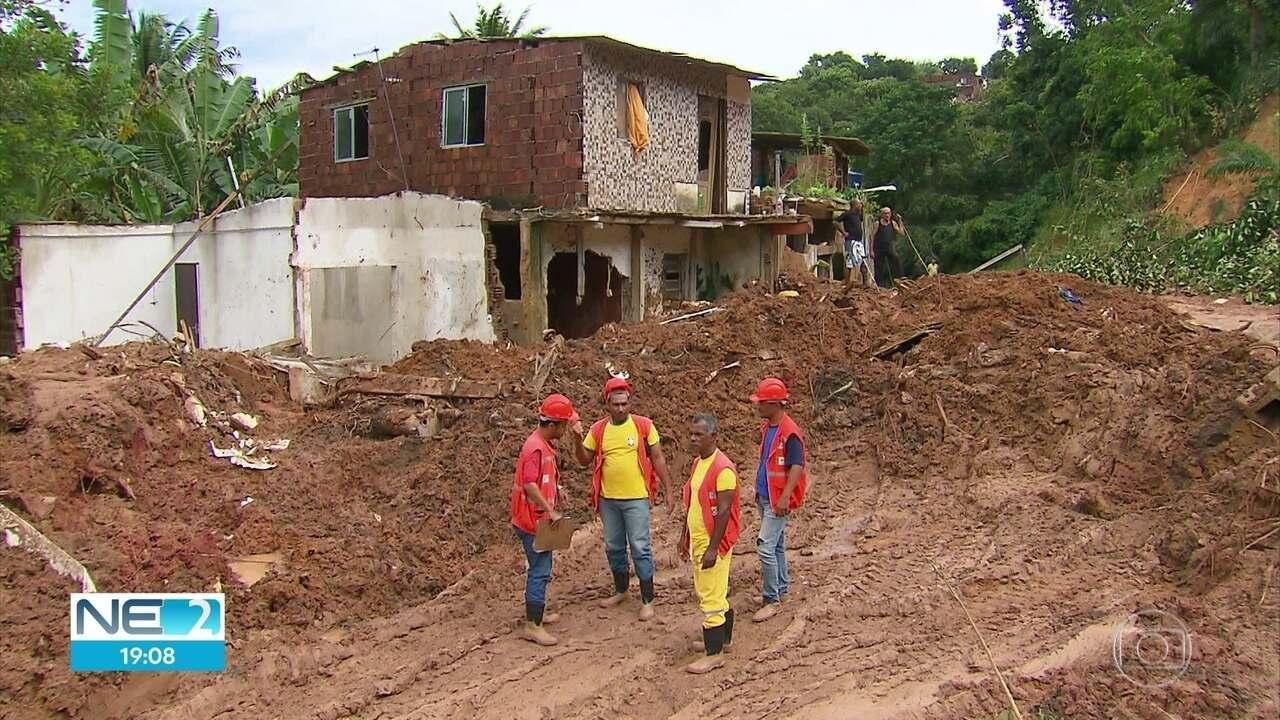 Moradores tentam reconstruir vidas em local onde cinco morreram soterrados em Abreu e Lima