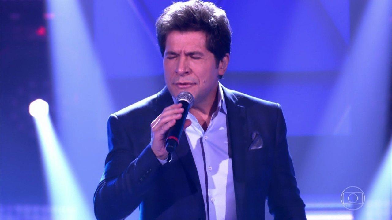 """Daniel canta """"Como Vai Você""""na estreia do The Voice Brasil"""