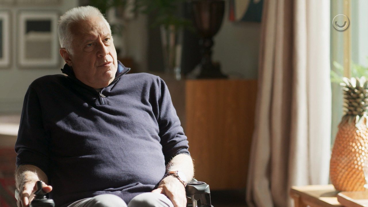 Teaser 'Bom Sucesso' 13/8: Alberto se nega a publicar livro de Silvana Nolasco