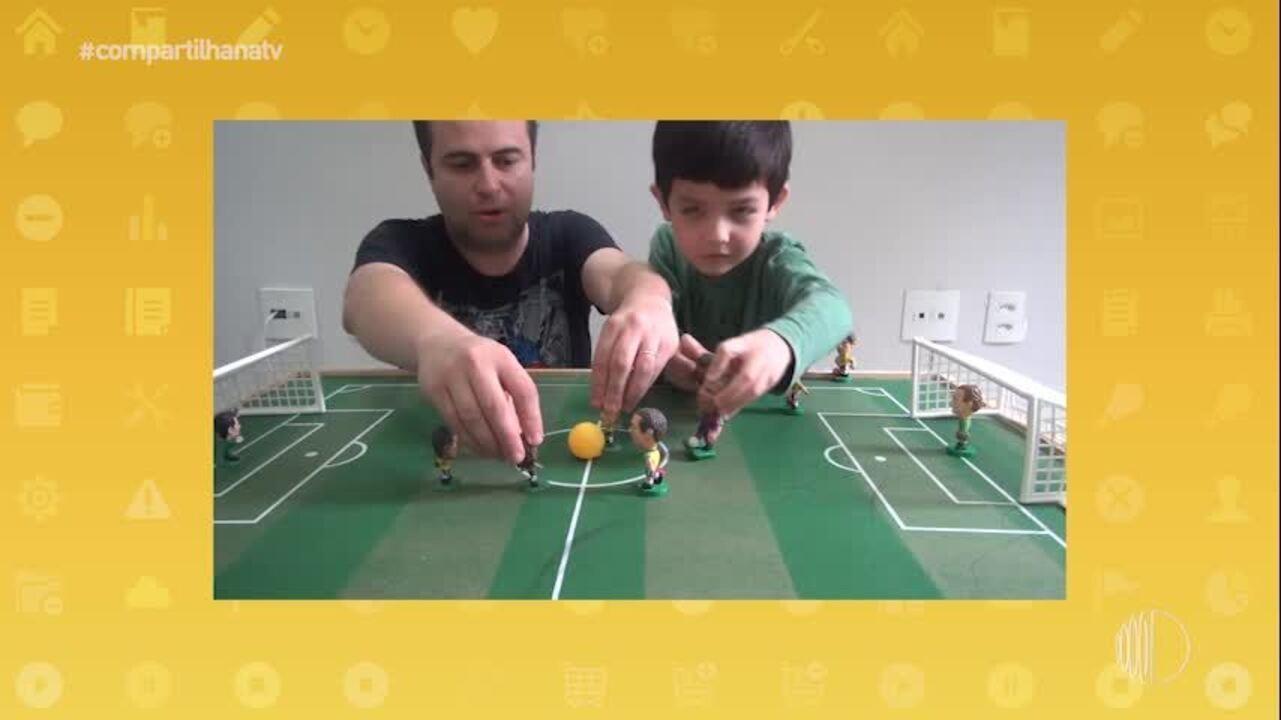 Rafael e Gustavo criaram um canal de vídeos para falarem de futebol de botão