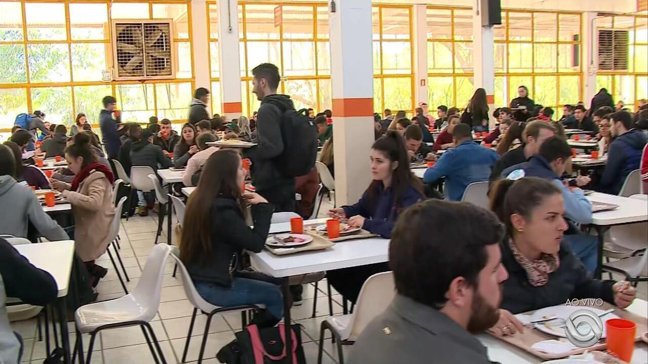Restaurante Universitário de Santa Maria não servirá mais suco pela falta de recursos