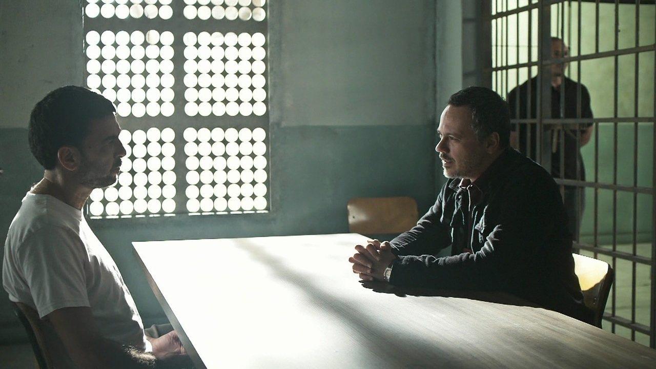 Almeidinha tenta convencer Manoel a falar