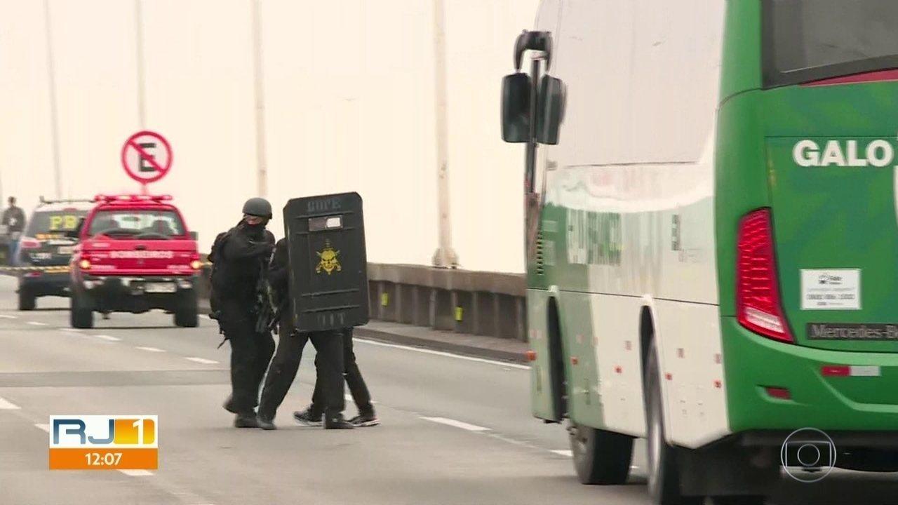 Especialista diz que polícia agiu de forma perfeita durante sequestro na Ponte Rio-Niterói