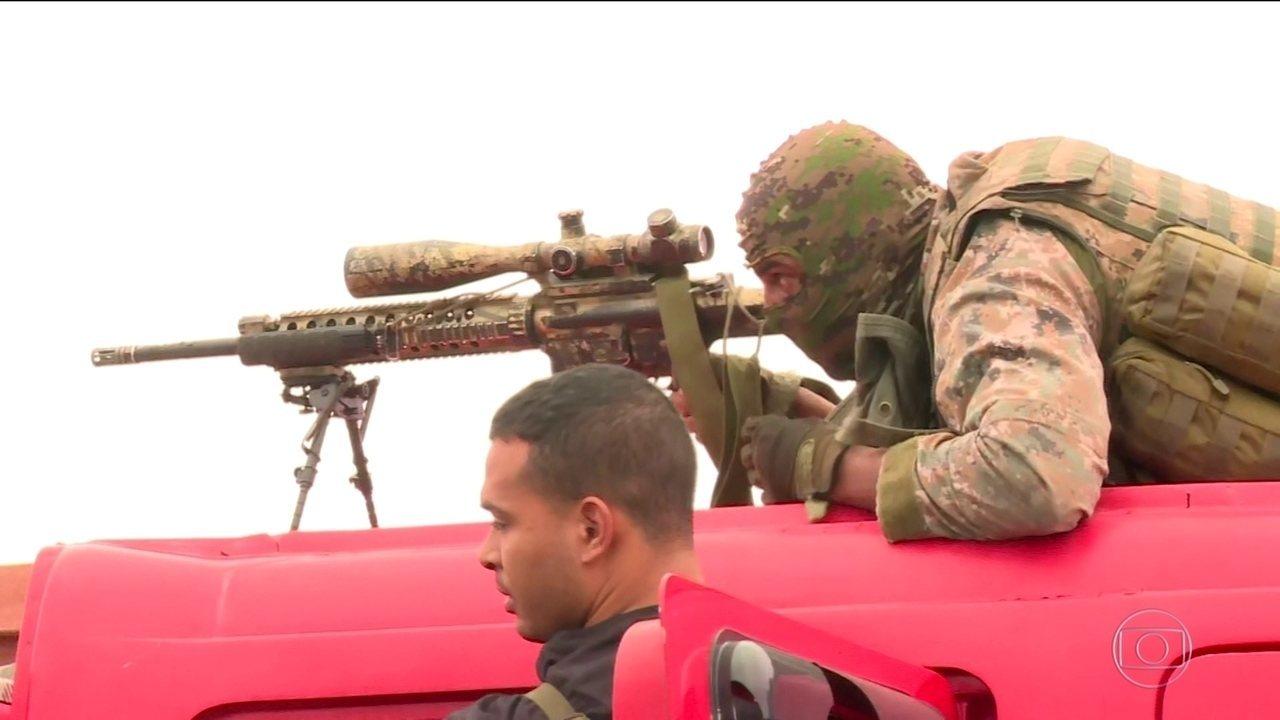 Comandante do Bope deu sinal verde para atirador alvejar sequestrador de ônibus no RJ