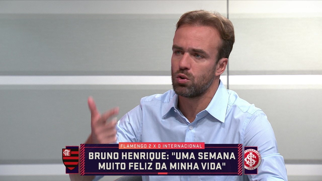 Roger Flores comenta sobre a atuação de Bruno Henrique no jogo contra o Inter pela Libertadores