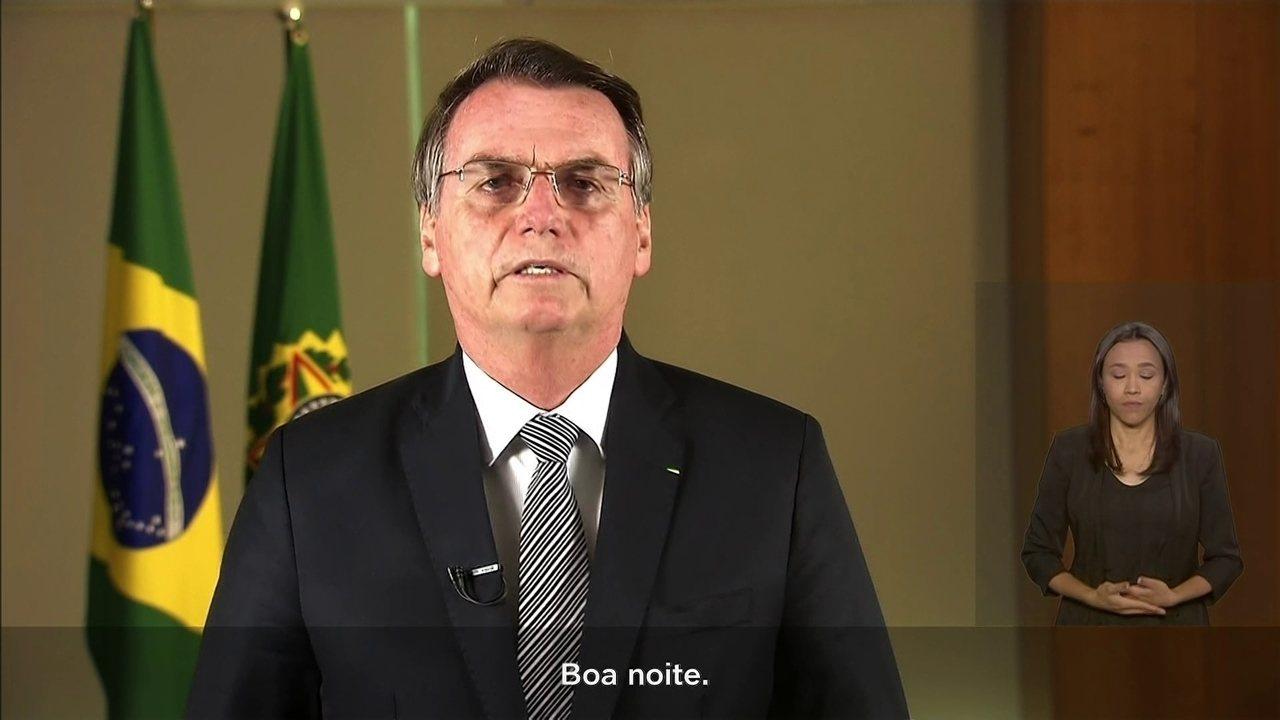 Jair Bolsonaro faz pronunciamento sobre queimadas na Amazônia