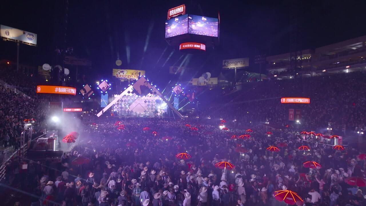 'Amigos' cantam na arena da Festa do Peão de Barretos 2019