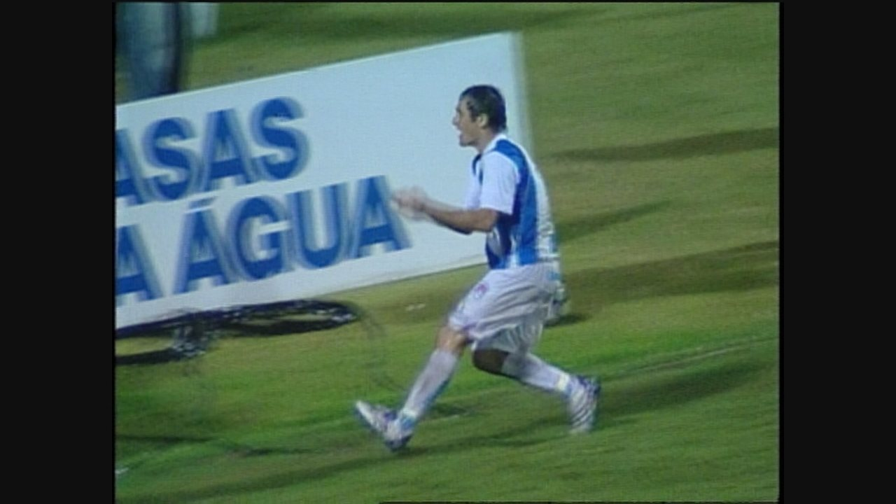Com gol antológico de Evando, Avaí e Corinthians empataram na Série B de 2008