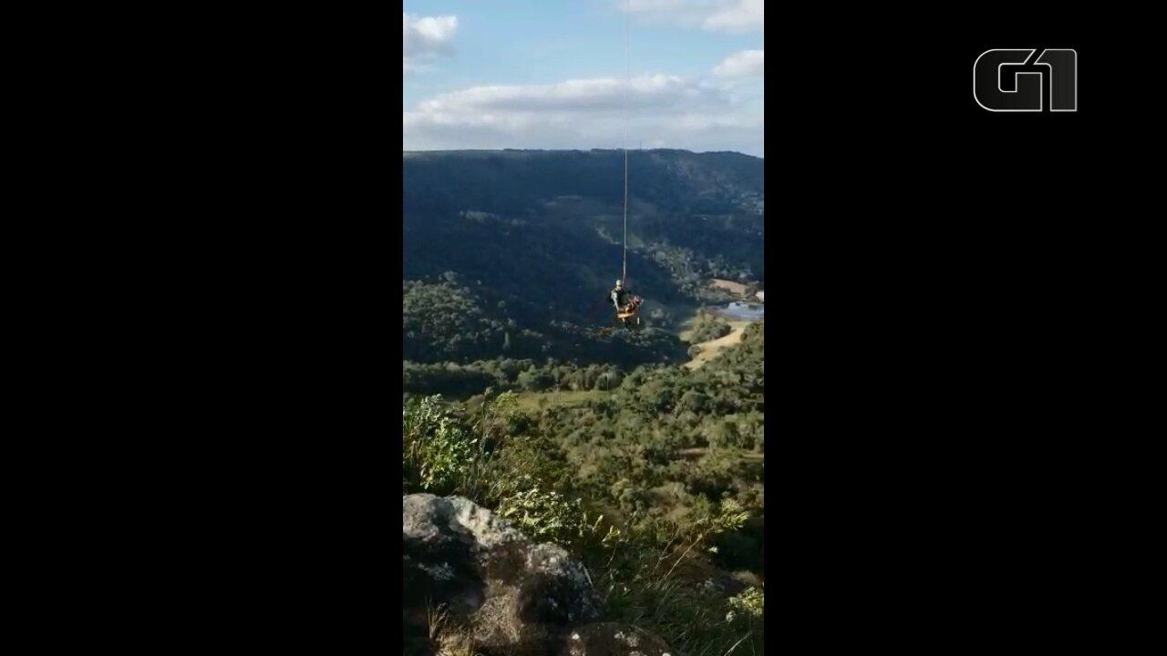 Mulher fica ferida ao cair durante escalada, em Balsa Nova