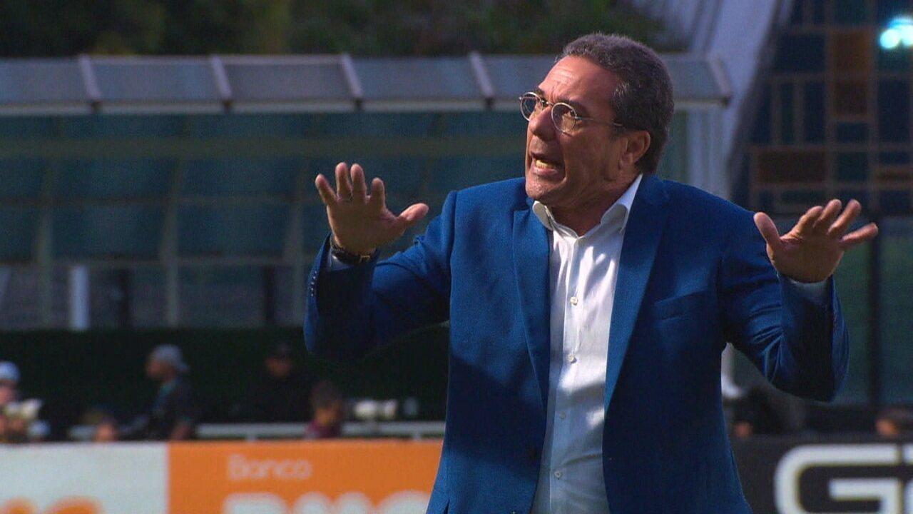 Árbitro pede que Vanderlei Luxemburgo peça calma aos torcedores do Vasco