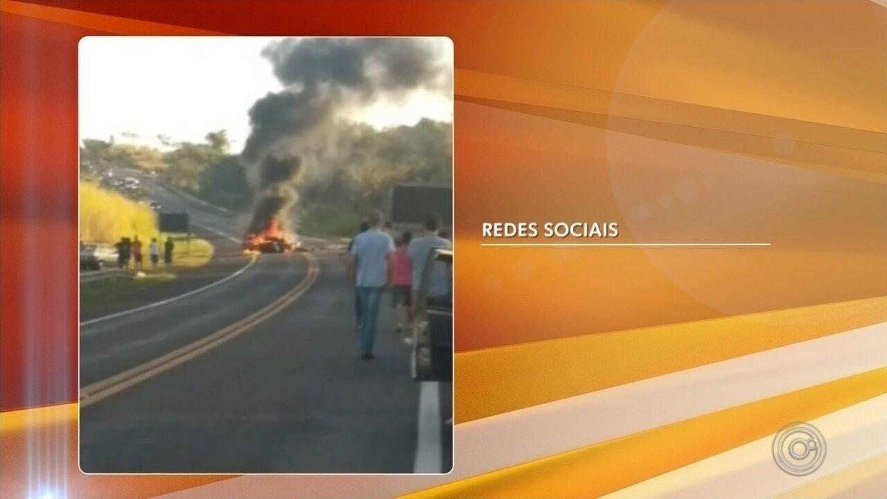 Motoristas morrem em batida frontal na rodovia que liga Jaú a Bocaina
