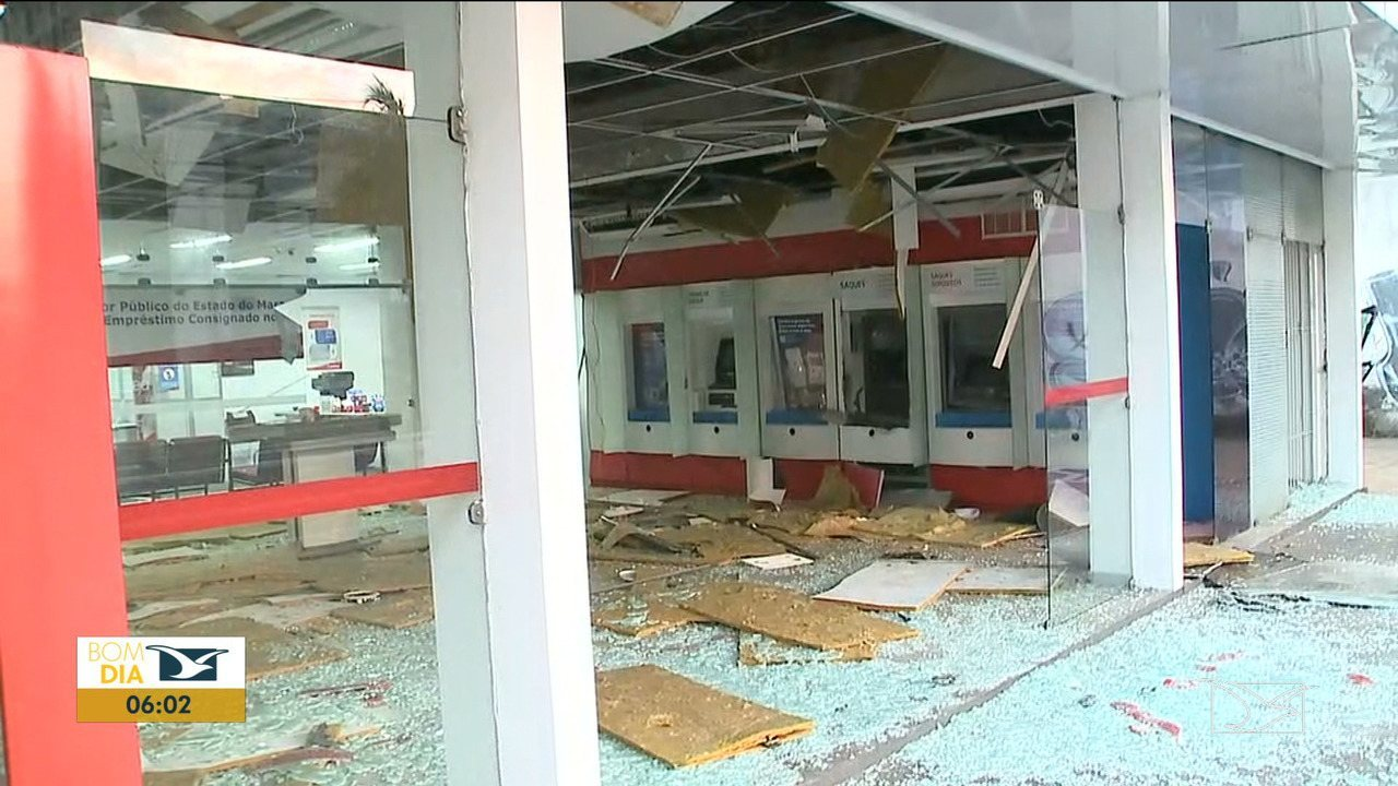 Bandidos explodem agência bancária em São Luís