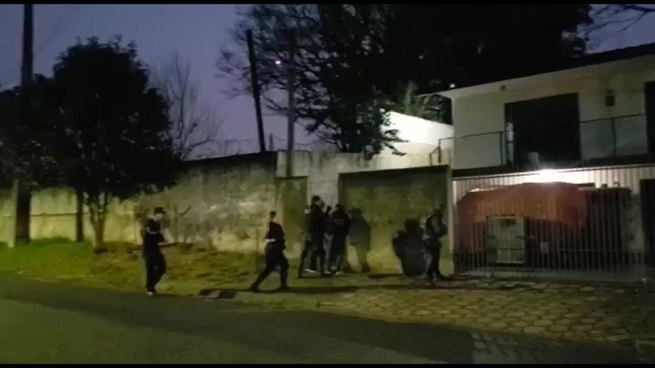 Operação Luz na Infância: policiais cumprem mandado de busca em Curitiba