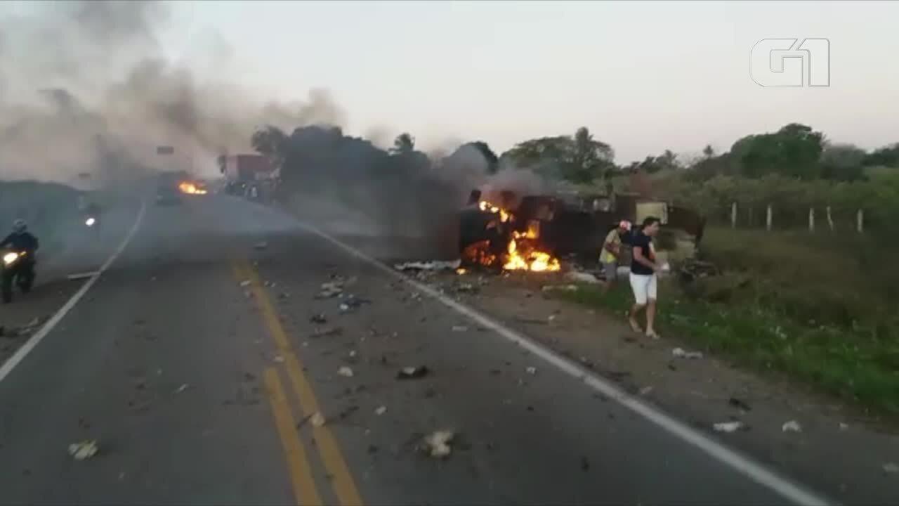 Vídeo mostra carro-forte em chamas após ação de bandidos na BR-226, no RN