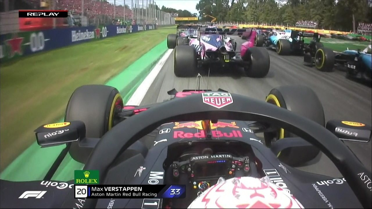Max Vestappen desvia de Pérez e joga carro na grama na largada
