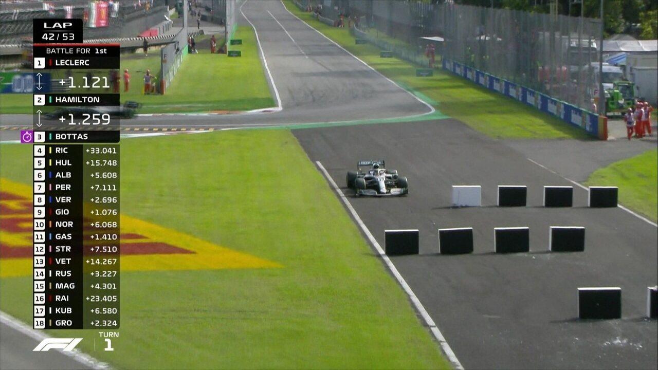 Gol da Itália! Lewis Hamilton erra e perde posição para Valteri Bottas
