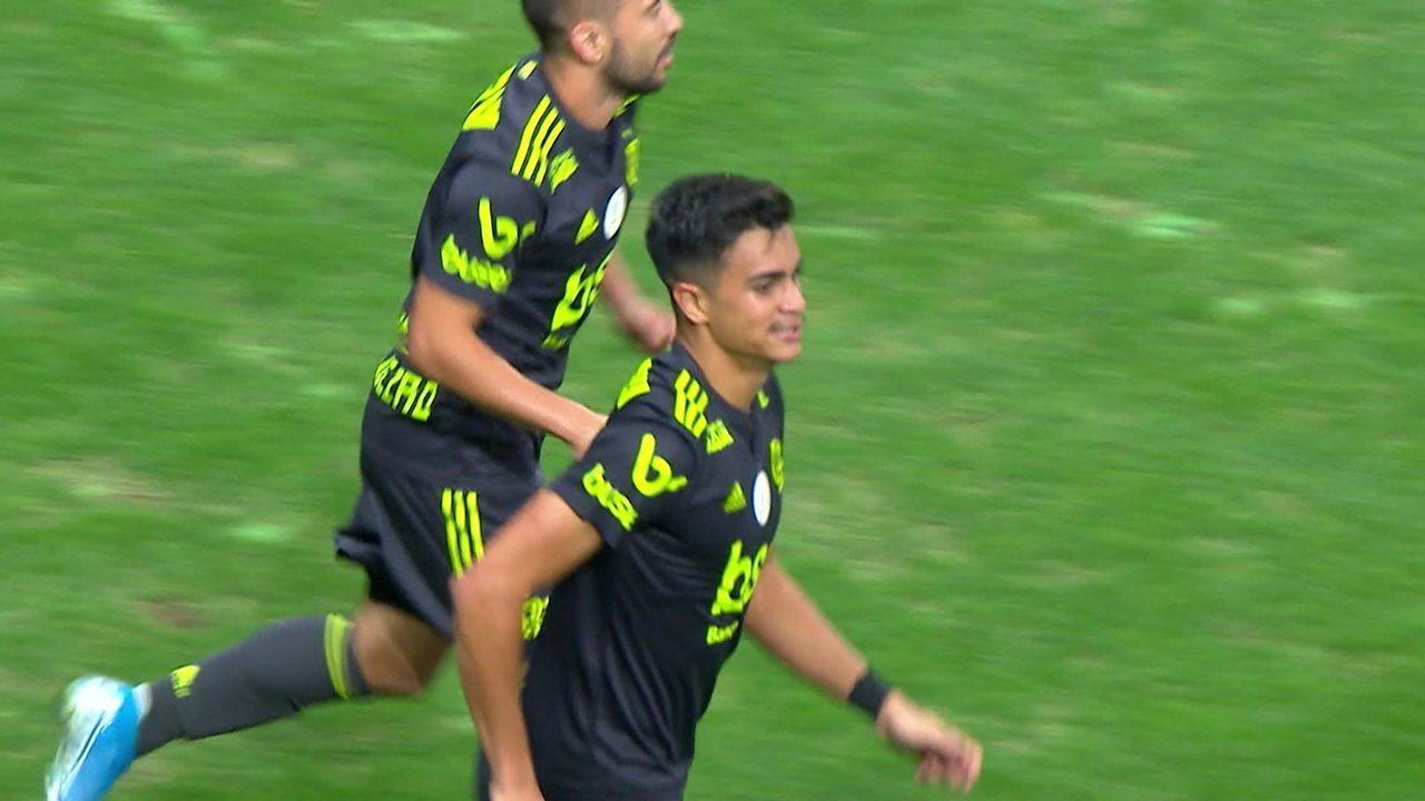 Reinier estreia como titular em casa, conta com apoio da família e marca primeiro gol no profissional do Flamengo