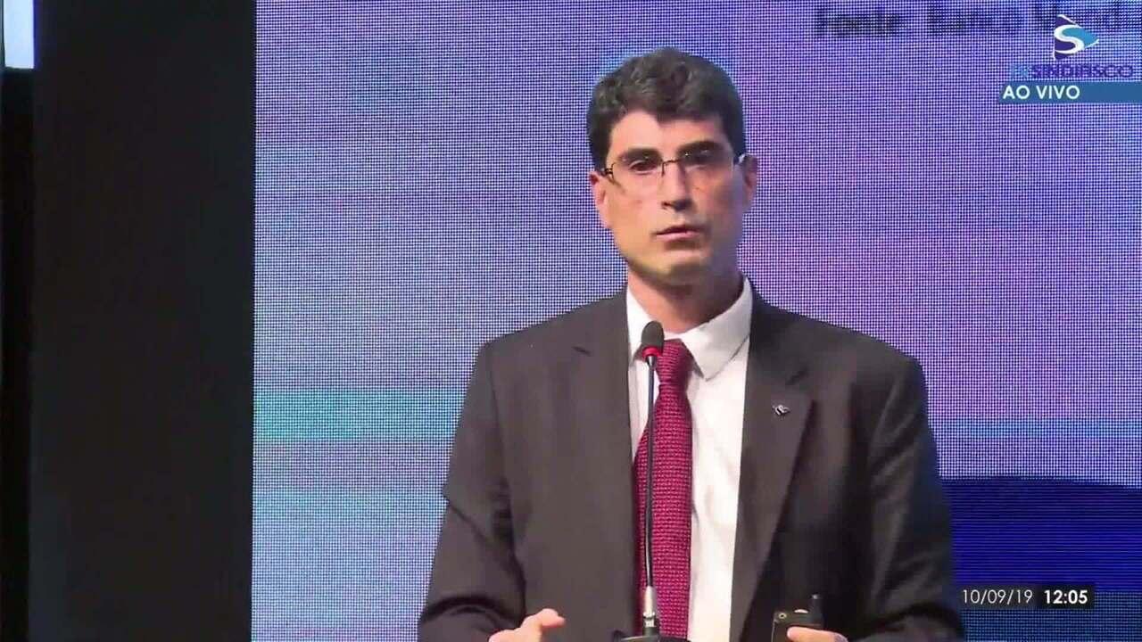 Economista diz que governo deveria focar na reforma tributária e critica proposta de novo imposto