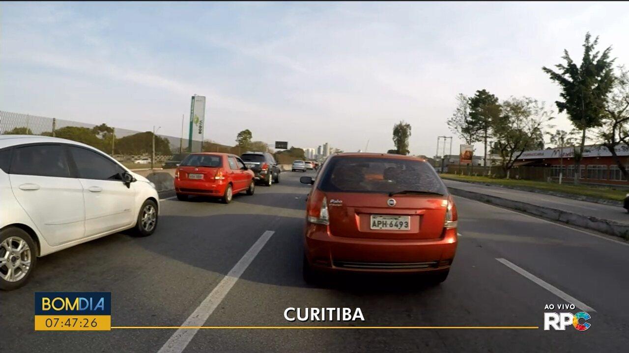 Motoristas enfrentam lentidão na entrada de Curitiba