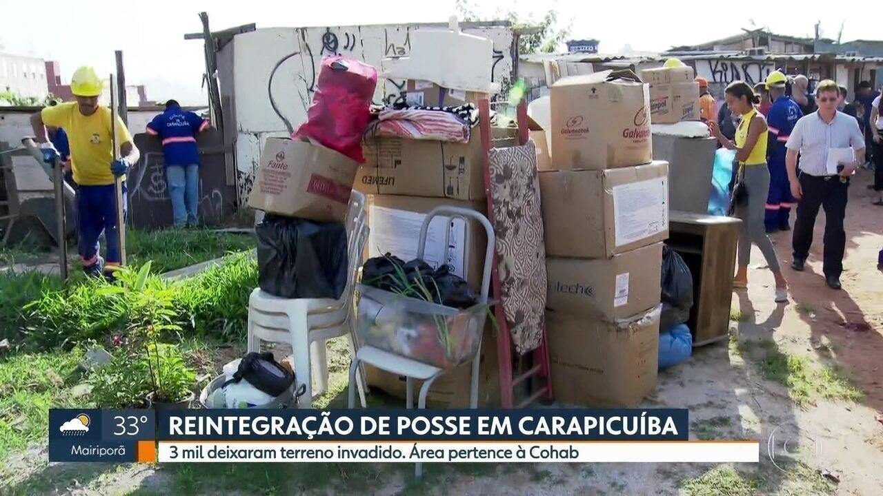 Três mil moradores são retirados de terreno invadido em Carapicuíba