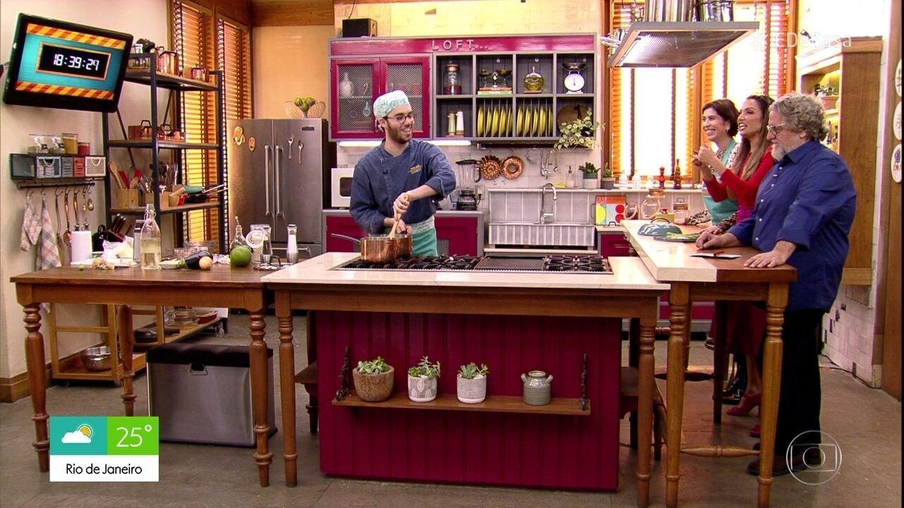 Bruno Jablonski prepara receita risoto de aspargos da mãe Maria Clara Gueiros