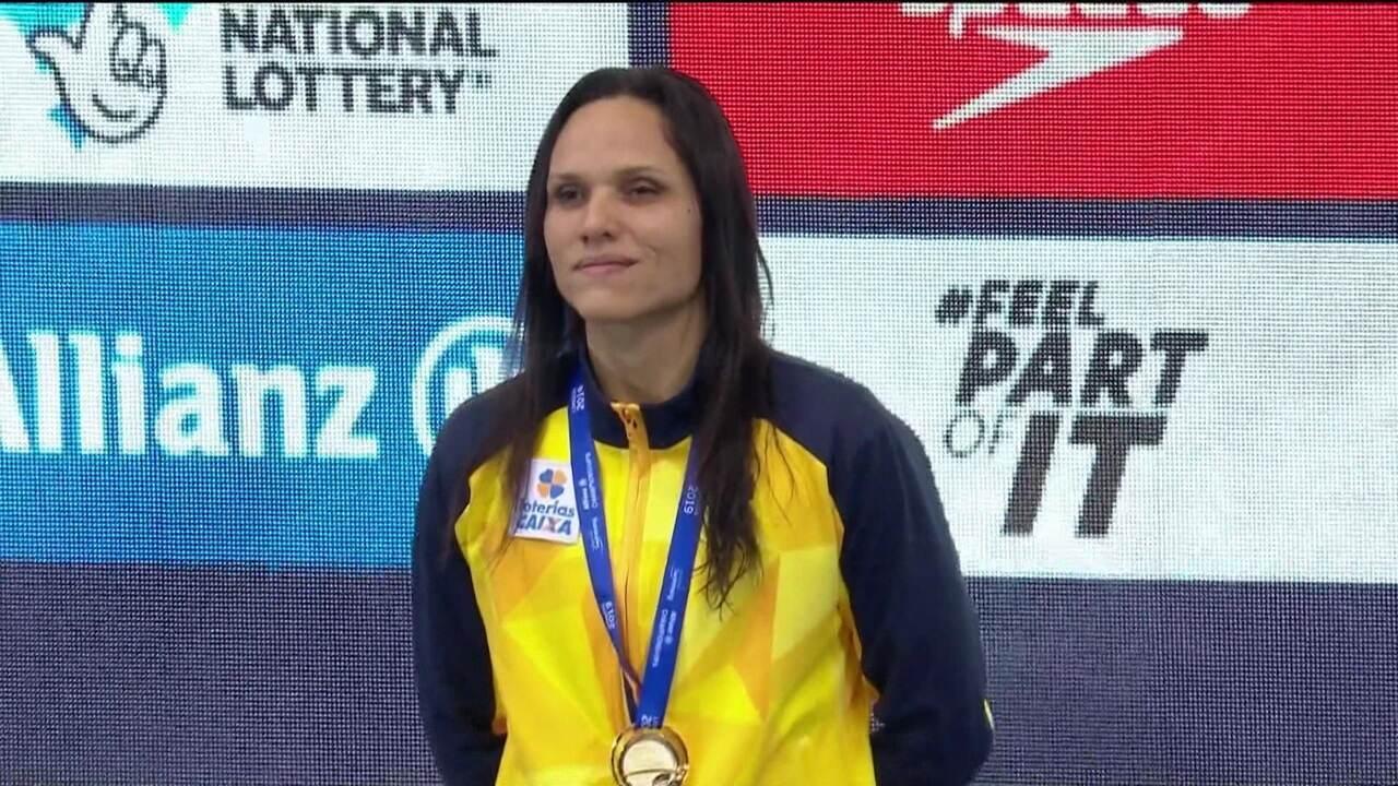 Carol Santiago conquista mais um ouro no mundial de natação paralímpica
