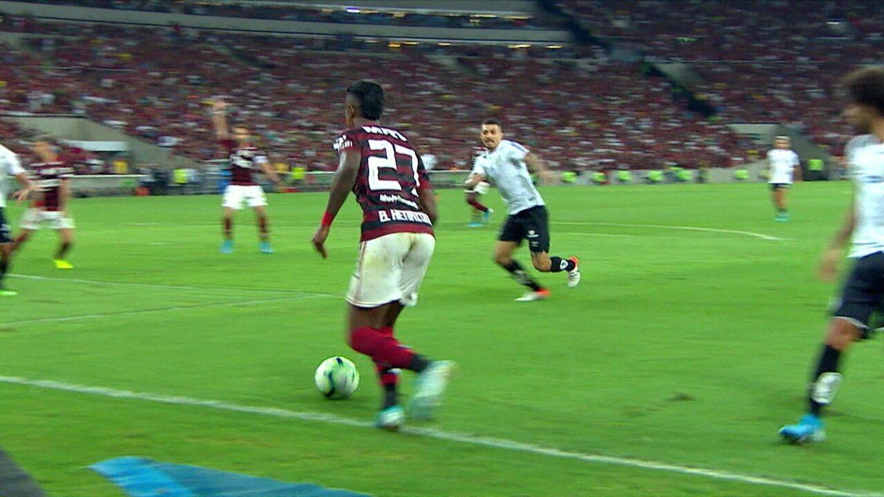 Melhores momentos de Flamengo 1 x 0 Santos pela 19º rodada do Campeonato Brasileiro