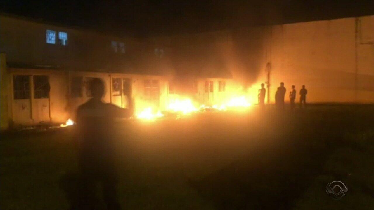 Susepe divulga imagens dos detentos colocando fogo na Penitenciária de Canoas