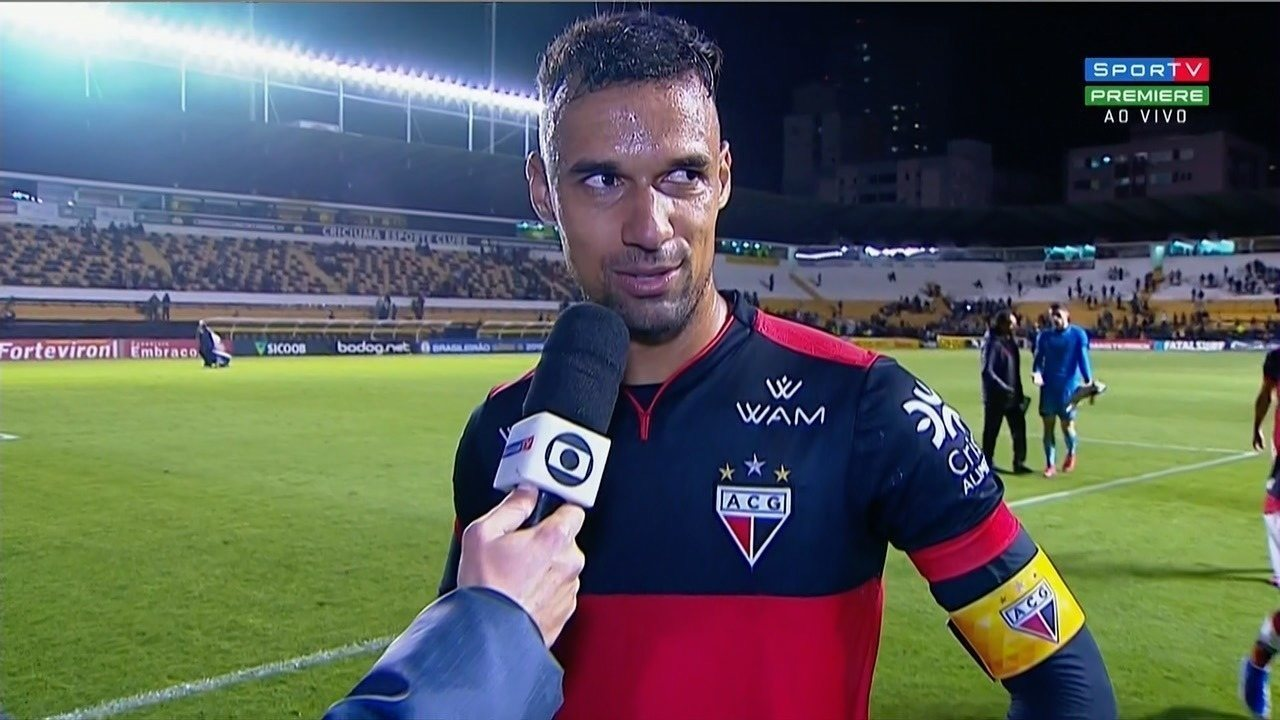 """Gilvan comemora vitória do Atlético-GO sobre o Criciúma: """"Resultado muito bom"""""""