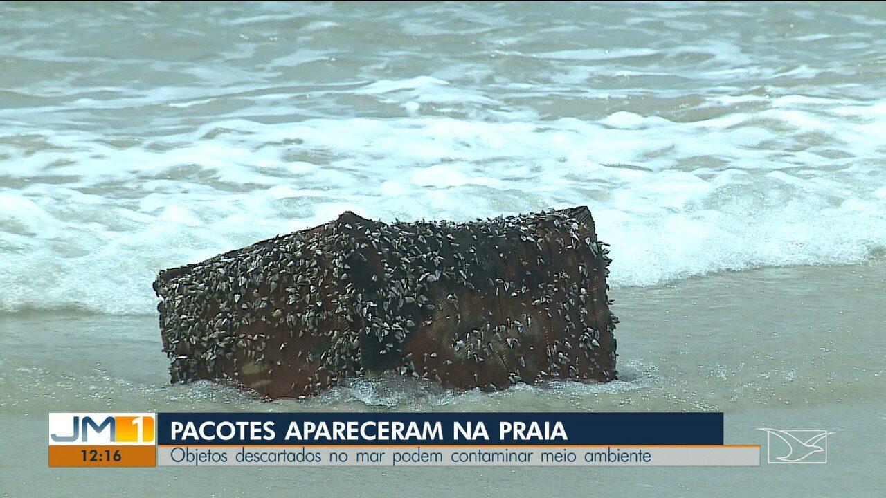 Pacotes sem identificação chamam atenção de banhistas em praias de São Luís