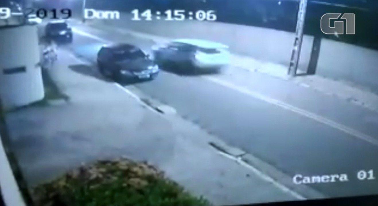 Vídeo mostra momento da fuga de suspeito após atropelar namorada e amiga