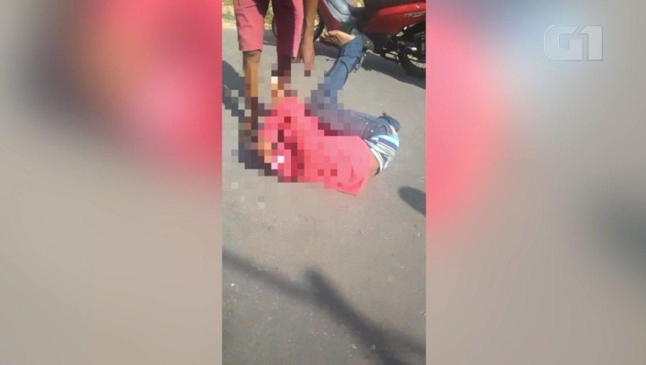 Adolescente é espancado após tentativa de roubo de moto