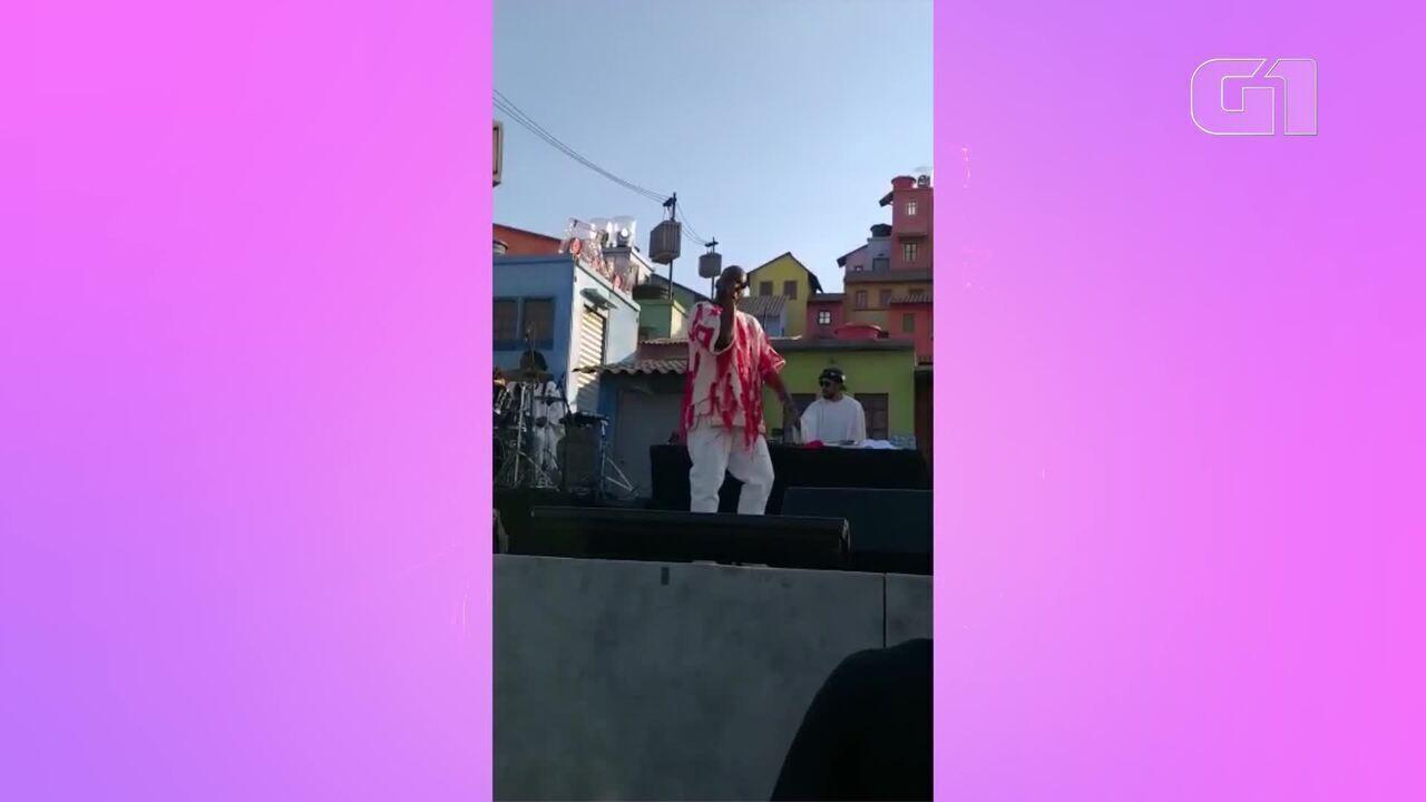 Rapper Dughettu se apresenta no Espaço Favela