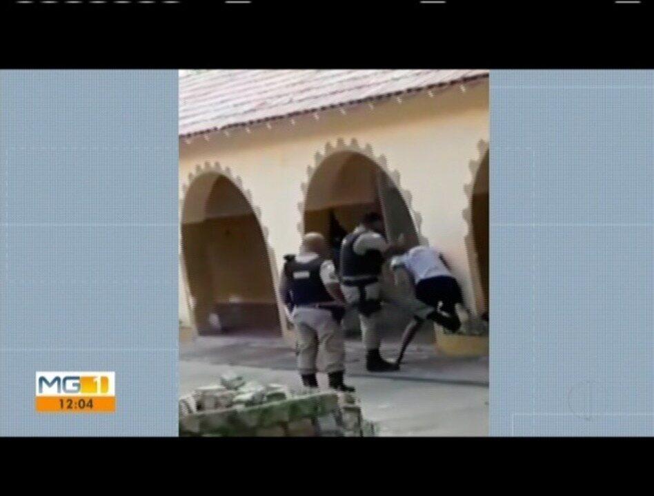Vídeo mostra policial agredindo estudante dentro de escola em Almenara