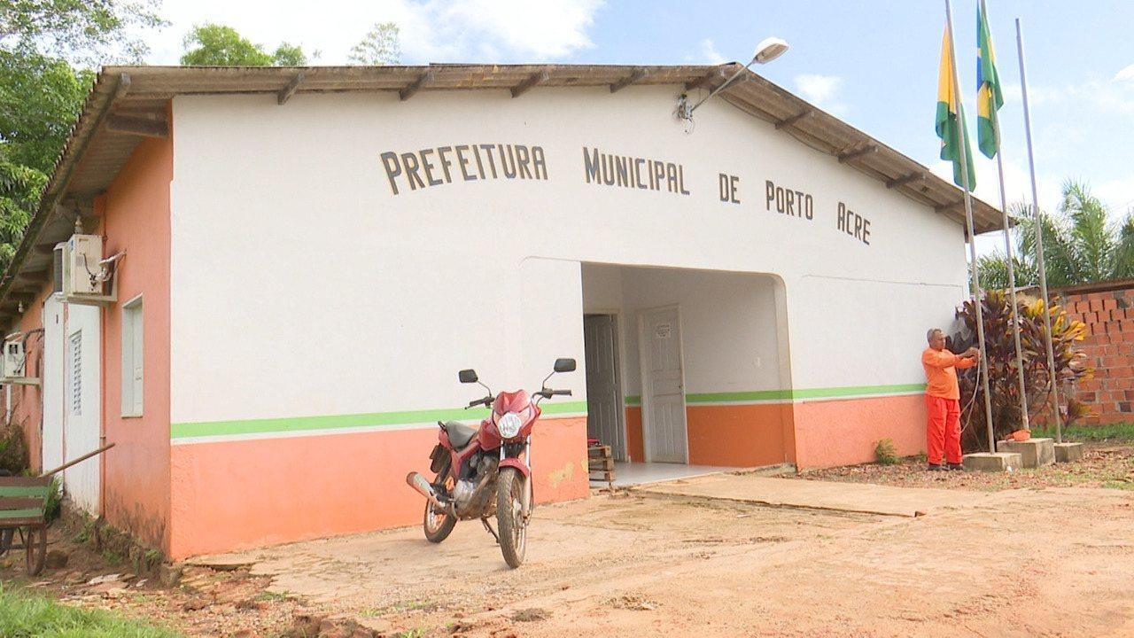 Escolas e órgãos param em Porto Acre após demissão de quase 300 servidores irregulares