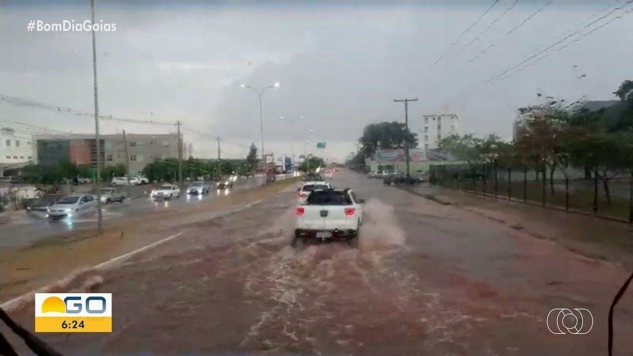Chuva causa vários transtornos em Anápolis