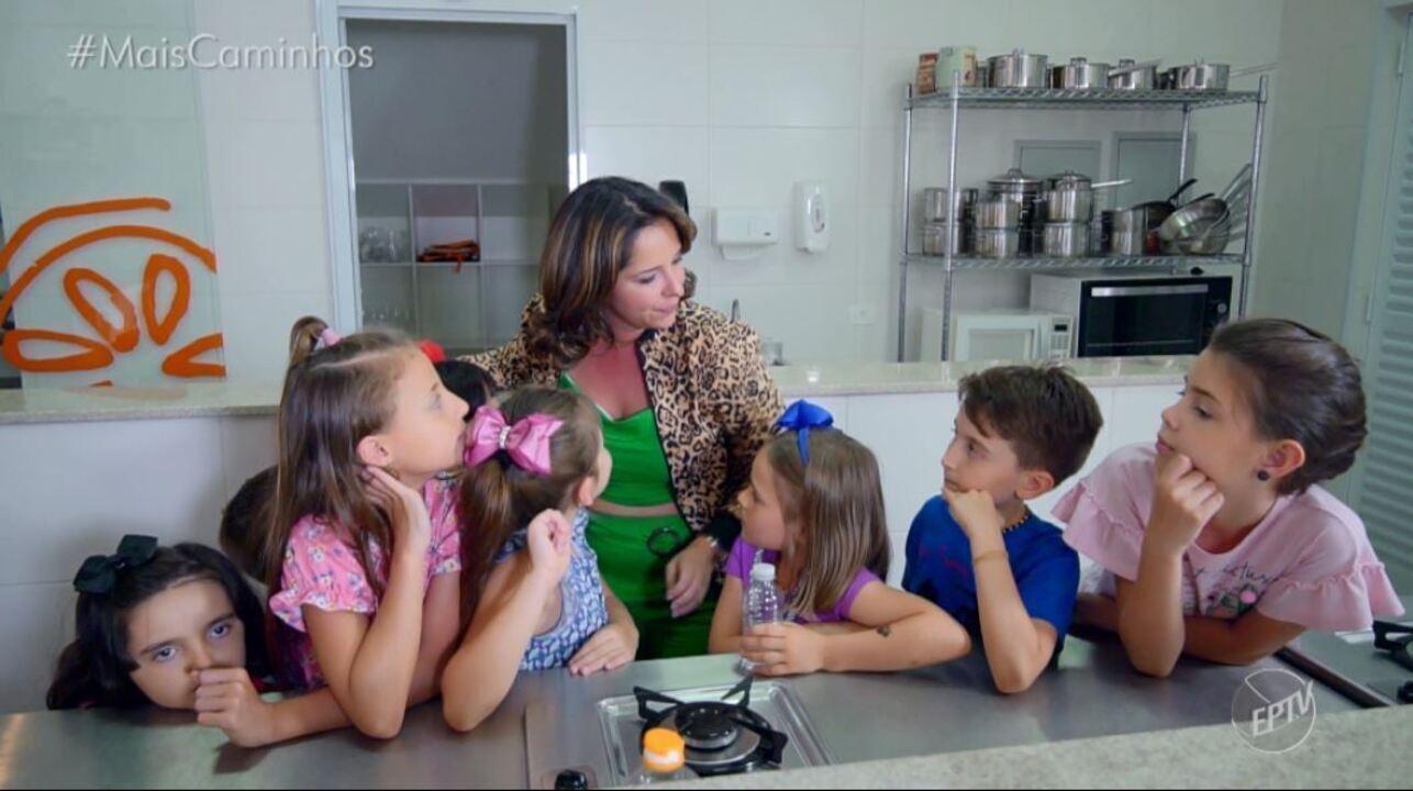 Roberta Campos leva a criançada para se divertir na cozinha