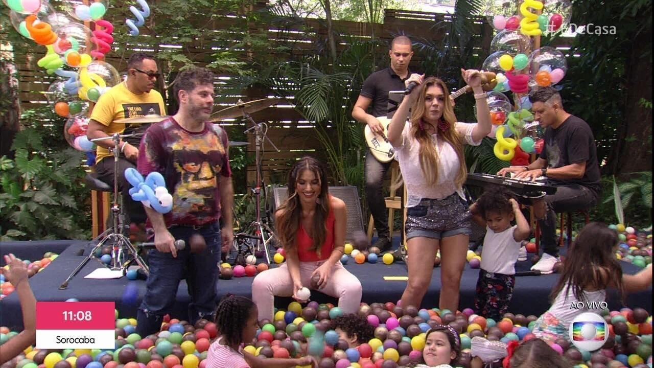 Balão Mágico canta 'É Tão Lindo'
