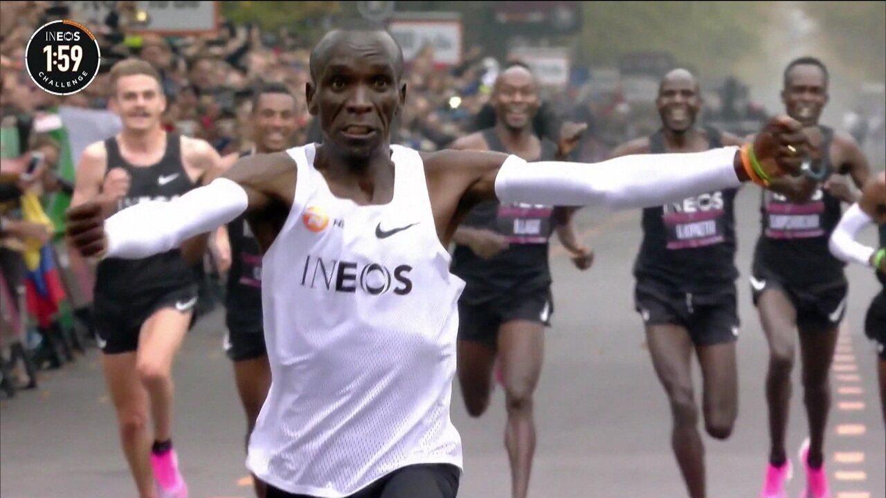 Queniano se torna o primeiro homem a correr 42,2km em menos de duas horas